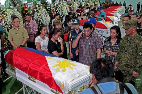 Toan canh 100 ngay dau cua Tong thong Philippines Duterte - Anh 18