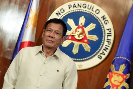 Toan canh 100 ngay dau cua Tong thong Philippines Duterte - Anh 1
