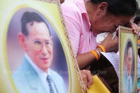 Quoc vuong Thai Lan Bhumibol Adulyadej bang ha - Anh 1