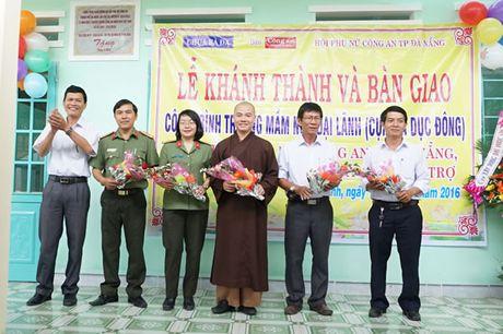 Khanh thanh va ban giao Truong mam non Dai Lanh do Chua Ba Da, Bao Cong an TP Da Nang va Hoi Phu nu Cong an TP Da Nang tai tro - Anh 3