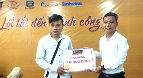 Hon 250 sinh vien hao hung tham gia giao luu 'Lap trinh – Loi tat den thanh cong' - Anh 1