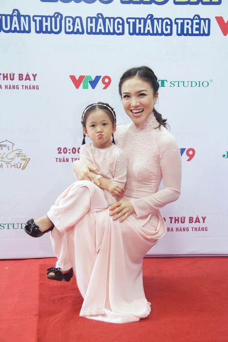 """Con gai Phan Dinh Tung sieu dang yeu trong """"Sai Gon dem thu 7"""" - Anh 5"""
