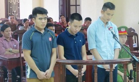 Sieu trom vuot nguc di tham ban gai mang thai - Anh 1