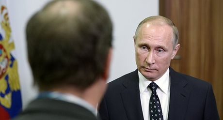 Ong Putin len truyen hinh Phap chi trich My ve Syria - Anh 1