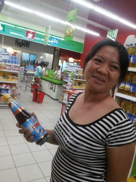 Nuoc mam Nam Ngu bi 'to' chua nhieu hoa chat: Nguoi dung lang, sieu thi van ban - Anh 2