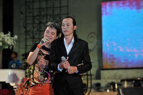 Ly do khien Hoai Linh khong nhin mat Dam Vinh Hung nhieu nam - Anh 1