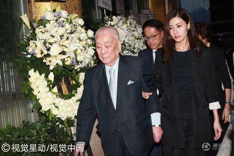 Hoa hau Ly Gia Han do bo chong gia yeu di du dam tang - Anh 1