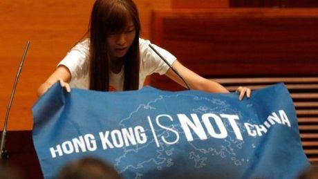 Nghi sy Hong Kong phan doi Trung Quoc khi tuyen the - Anh 1