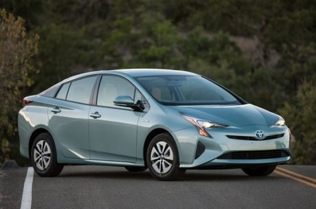 Toyota trieu hoi 340.000 chiec Prius hybrid do he thong phanh bi loi - Anh 1