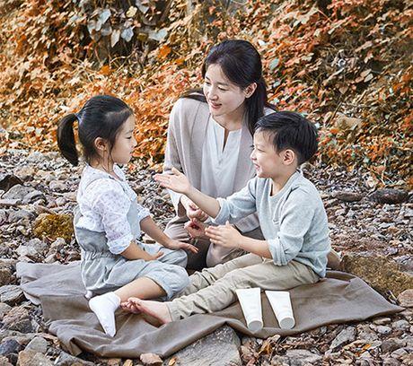 Hai con cua 'Nang Dae Jang Geum' Lee Young Ae cang lon cang xinh - Anh 1
