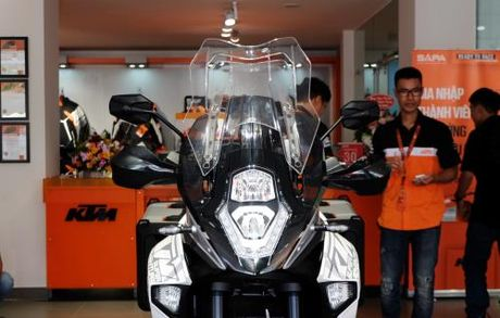 Sieu mo to KTM 1290 Super Duke dau tien ve Viet Nam gia tu 690 trieu dong - Anh 2