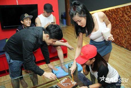 Nhat Minh, Gia Quy The Voice Kids bi mat mung sinh nhat bat ngo cho Dong Nhi - Anh 9