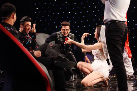 Nhung guong mat 'sinh ra la de danh cho gameshow truyen hinh' - Anh 12