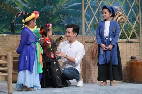 Truong Giang duoc Nha Phuong lam 'quan su' nuoi day cac 'sieu hai nhi' - Anh 5