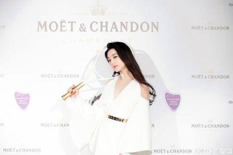 Khi khong can thiep photoshop, lan da cua Pham Bang Bang cung chang trang sang - Anh 5