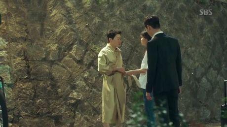 'Jealousy Incarnate': Bi Kyung Pyo 'chia tay - doi qua', Jung Suk lot ao tra giua pho - Anh 8
