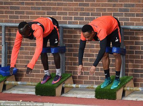 Sao Liverpool tap 'di' chuan bi cho tran thu hung voi Man Utd - Anh 5