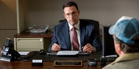 Coi ao Nguoi Doi, Ben Affleck hoa sat thu tu ky trong 'The Accountant' - Anh 4