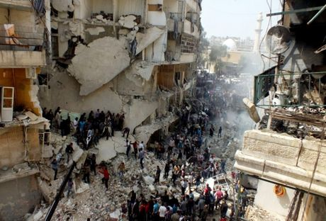 Aleppo rung chuyen vi khong kich, hang chuc nguoi thuong vong - Anh 1