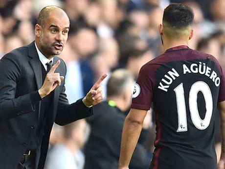 Sergio Aguero dang khien Guardiola tuc gian - Anh 1
