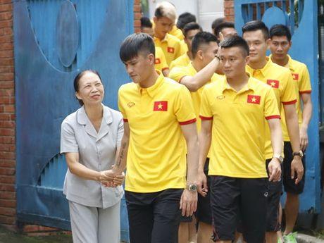 Thay tro Huu Thang tim dong luc tu lang tre SOS - Anh 1