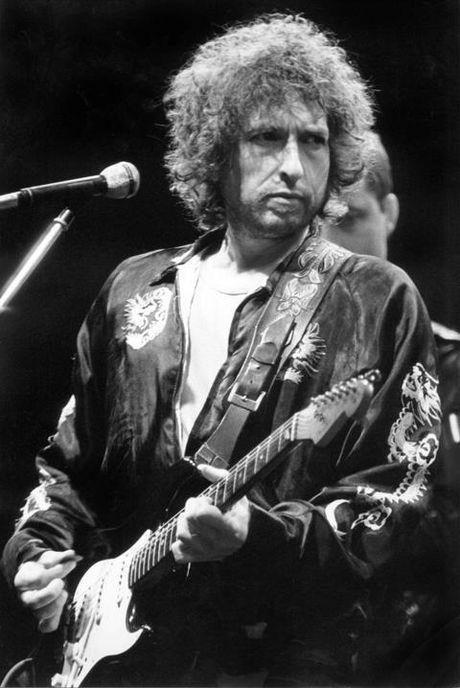 Nghe lai nhung ca khuc 'than sau' cua chu nhan giai Nobel Van hoc 2016 Bob Dylan - Anh 1
