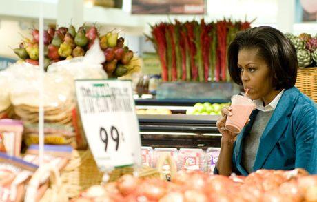 Hinh anh de nhat phu nhan My Michelle Obama an tuong va than thien - Anh 9