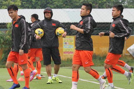 DIEM TIN TOI (14.10): DT Viet Nam duoc KFA uu ai, Depay thao chay khoi M.U - Anh 1
