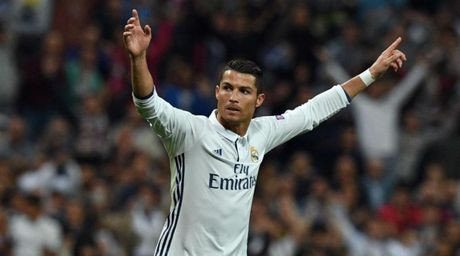 Dich than Ronaldo len tieng chot tuong lai - Anh 1