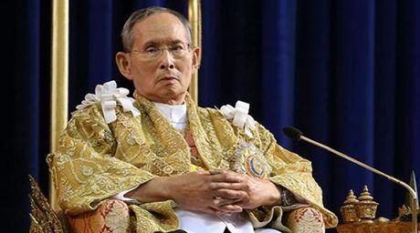 Lanh dao Viet Nam chia buon ve viec Nha vua Thai Lan qua doi - Anh 1