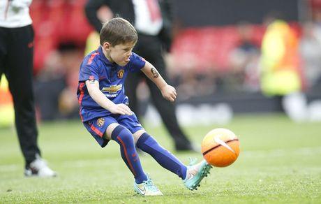 Con trai Ibrahimovic gia nhap M.U - Anh 2