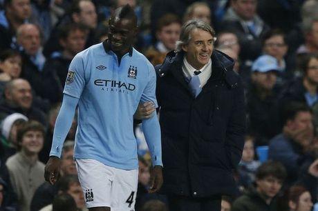 Mancini tiet lo ly do Balotelli roi Man City - Anh 1