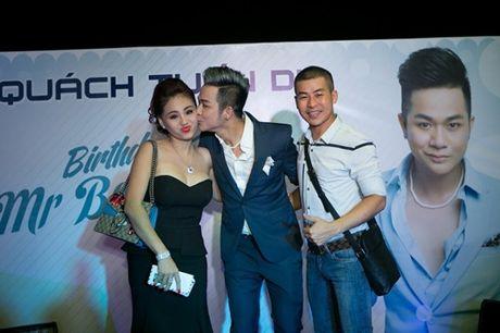 Vo chong Thanh Ngoc, Ung Hoang Phuc rang ro di mung sinh nhat Quach Tuan Du - Anh 14