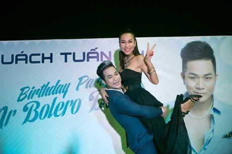 Vo chong Thanh Ngoc, Ung Hoang Phuc rang ro di mung sinh nhat Quach Tuan Du - Anh 7