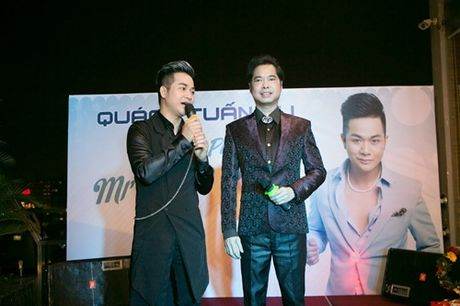 Vo chong Thanh Ngoc, Ung Hoang Phuc rang ro di mung sinh nhat Quach Tuan Du - Anh 9