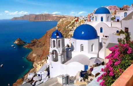 Chu du Hi Lap va kham pha nhung ngoi nha nam o Santorini - Anh 2