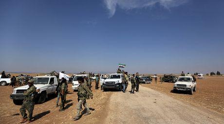 Danh bom xe o bien gioi Syria – Tho Nhi Ky, it nhat 20 nguoi chet - Anh 1