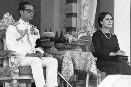Cuoc doi nha vua Thai Lan Bhumibol Adulyadej qua anh - Anh 8