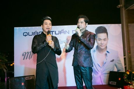 Lam Khanh Chi xinh dep, Ngoc Son 'nhay sung' mung sinh nhat Quach Tuan Du - Anh 12