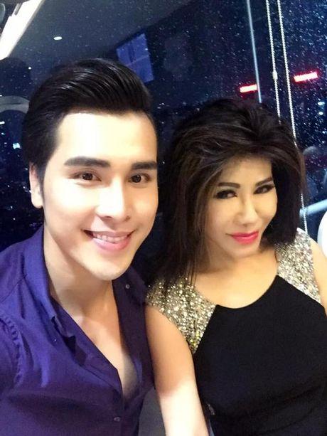 Lam Khanh Chi xinh dep, Ngoc Son 'nhay sung' mung sinh nhat Quach Tuan Du - Anh 7