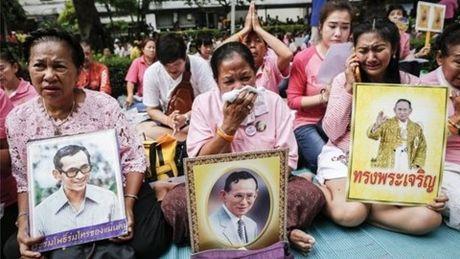 Quoc tang 1 nam nha vua Thai Lan Bhumibol Adulyadej - Anh 1
