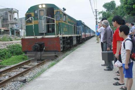 Nghien cuu phuong an xay dung duong sat toc do cao tren truc Bac – Nam - Anh 1