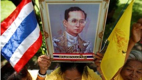 Thu tuong Thai Lan keu goi thuc hien di nguyen cua Nha Vua - Anh 2