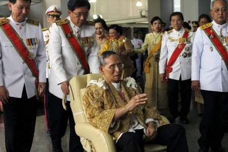 Nhieu nuoc tren the gioi gui loi chia buon toi Thai Lan - Anh 1
