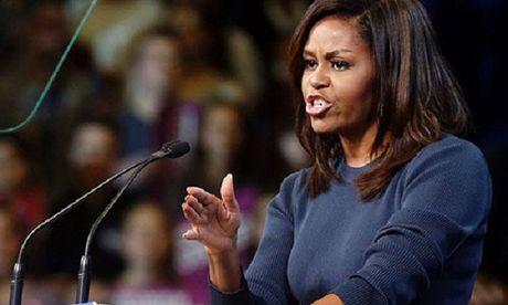 Michelle Obama len an Donald Trump khoe 'thoai mai sam so phu nu' - Anh 1