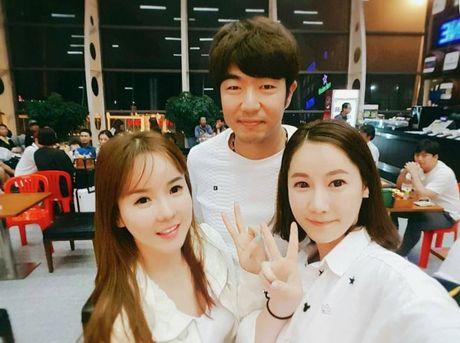 Ba bo con Jonghyuk - Junsu -Taksu cua 'Dad, where are you going' bat ngo co mat tai Da Nang - Anh 5