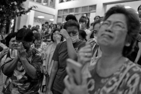 Tong thong Obama ca ngoi Quoc vuong Thai Lan la 'nha vo dich khong met moi' - Anh 4