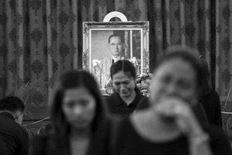 Tong thong Obama ca ngoi Quoc vuong Thai Lan la 'nha vo dich khong met moi' - Anh 5