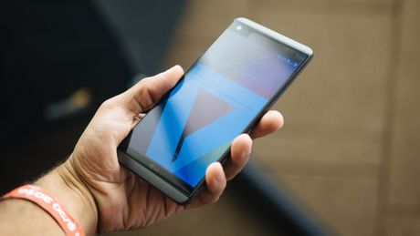 7 smartphone tot thay the Galaxy Note 7 - Anh 6
