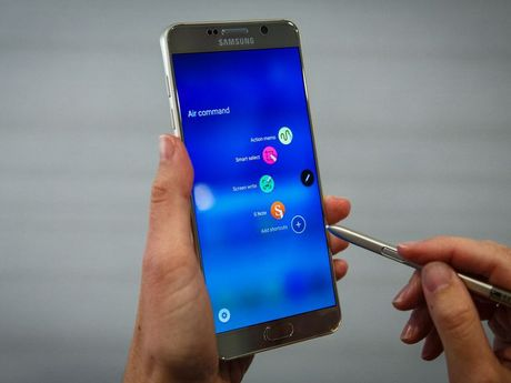 7 smartphone tot thay the Galaxy Note 7 - Anh 7
